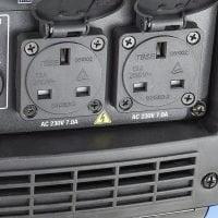 Hyundai HY2000Si 2000w Portable Petrol Inverter Generator Sockets Open