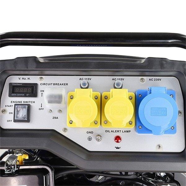 Hyundai HY9000LEK 2 7.5kW 9.4kVa Recoil & Electric Start Site Petrol Generator Sockets