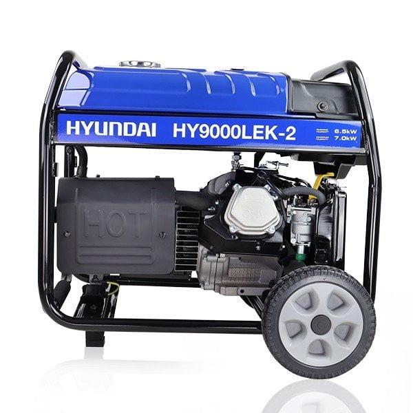 Hyundai HY9000LEK 2 7.5kW 9.4kVa Recoil & Electric Start Site Petrol Generator side view Left