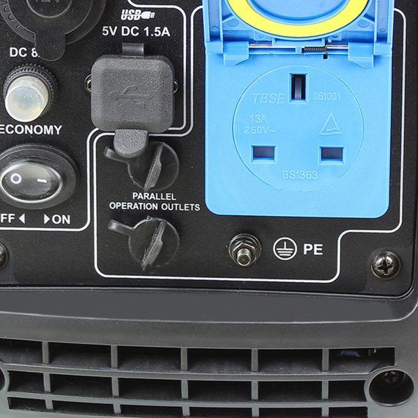 P1PE Petrol portable generator socket