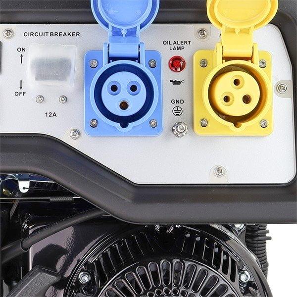 Hyundai HY3800L 2 3.2kW 4kVA Recoil Start Site Petrol Generator Sockets Open