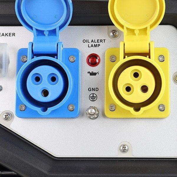Hyundai HY3800LEK 2 3.2kW 4.00kVA Electric Start Site Petrol Generator Open Sockets
